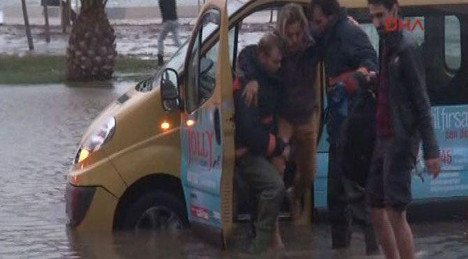 İstanbul'da lodos fırtınasının bilançosu