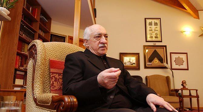 """Fetullah Gülen, New York Times için """"Türkiye demokrasisini"""" yazdı"""