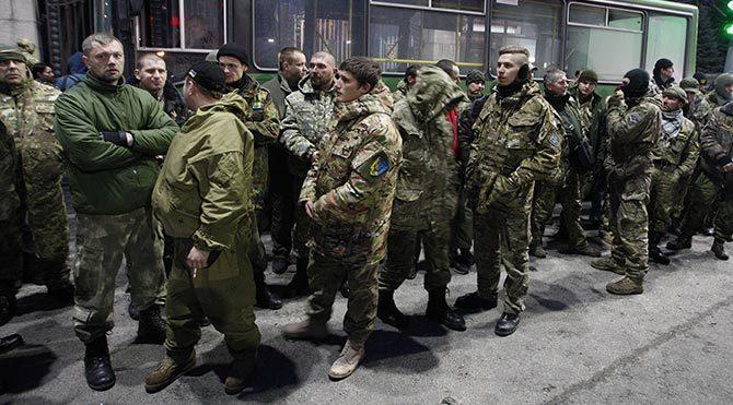 Minsk barış görüşmelerinin hafta sonu çıkmaza girmesiyle kiev