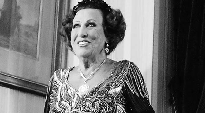 Müzeyyen Senar kimdir? Müzeyyen Senar 97 yaşında vefat etti!