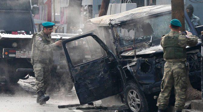 Afganistan'da Türk elçilik aracına bombalı saldırı: 1 şehit