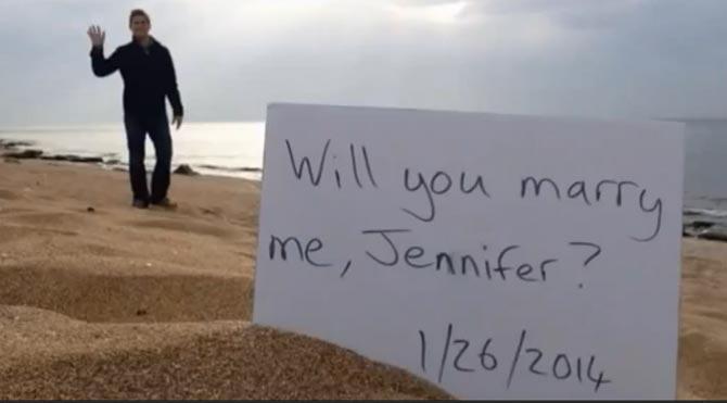 Bir yıl boyunca evlenme teklifi etti
