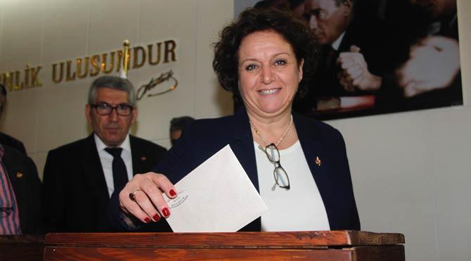 İzmir'e kadın başkan yakıştı