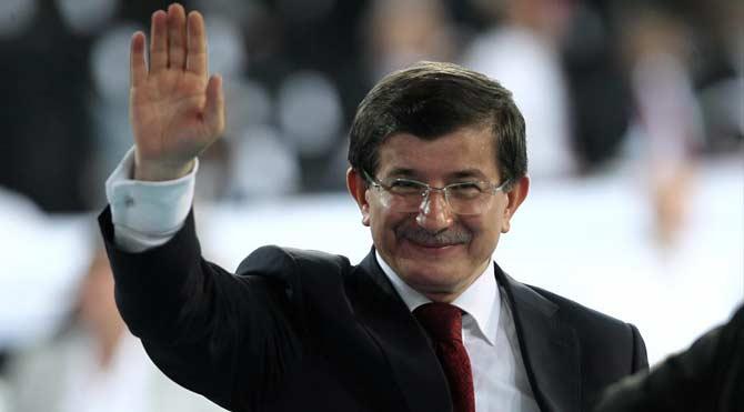 Davutoğlu AKP'nin seçim beyannamesini açıkladı