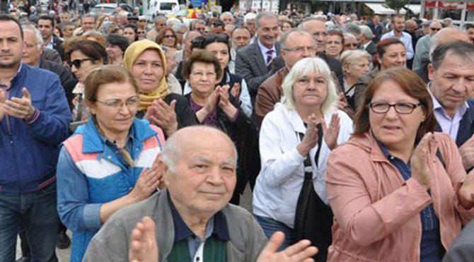 CHP'den 'Milletçe Alkışlıyoruz' eylemi