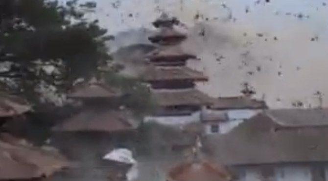 Nepal'de deprem! 7,8'lik depremin görüntüleri ortaya çıktı!