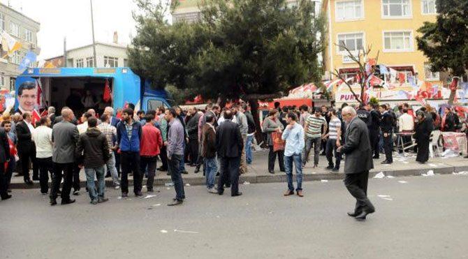 AKP standında kavga: 4 yaralı
