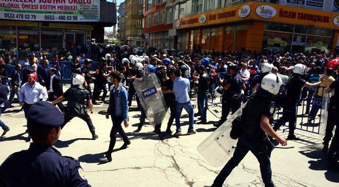 HDP mitinginde gerginlik!
