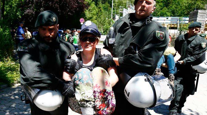 G7 Zirvesi protestolarla başladı