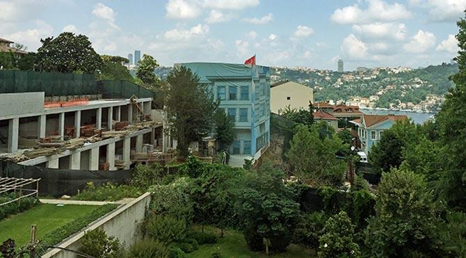 Boğaz'da Reza'nın önüne yatan kim?