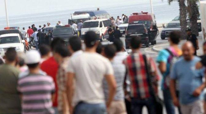 Tunus'ta turistik otelin önünde silahlı saldırı