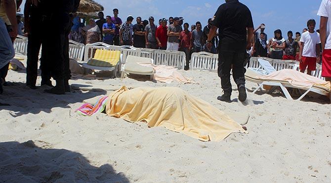 Tunus'ta hayatını kaybedenlerin çoğu İngiliz vatandaşı