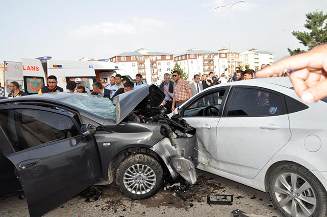 Kars'ta feci kaza: 3 ölü, 1 yaralı