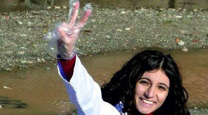 Sen misin Kobani'de yaralılara yardım eden!