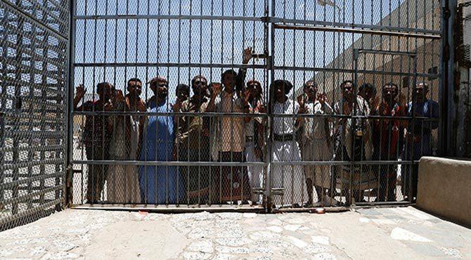 Yemen'de 1200 mahkum firar etti