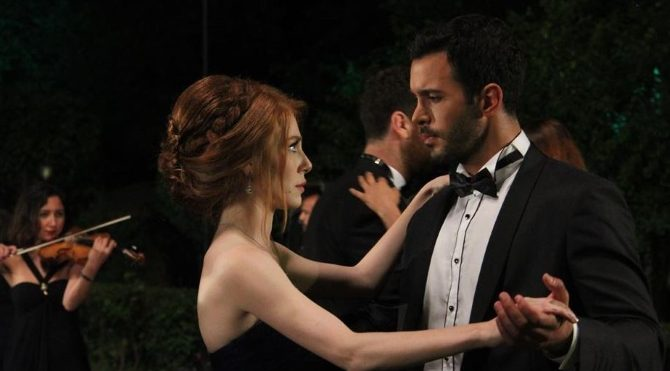 Kiralık Aşk 3. bölüm: Moda davetinin finali şaşırttı!