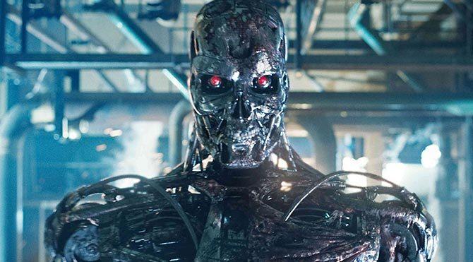 Almanya'da bir robot işçiyi öldürdü