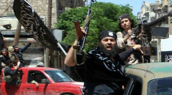 Şeriatçı grupların Halep saldırısına sert yanıt