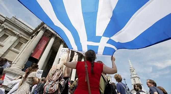 Yunanistan kaderini oyluyor