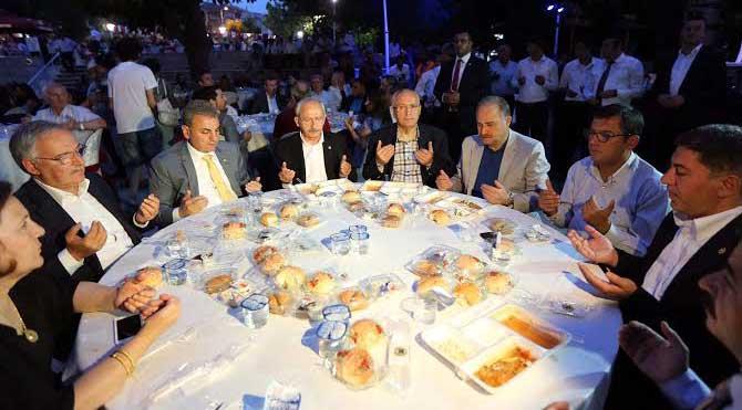Kılıçdaroğlu 3 bin kişiyle iftar yaptı