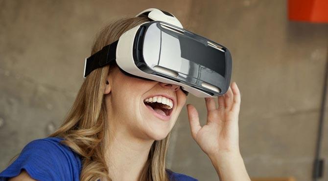 Sony ve Oculus arasında erotizm kavgası