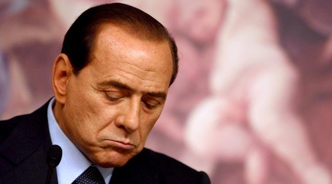 Berlusconi'ye 3 yıl hapis cezası!