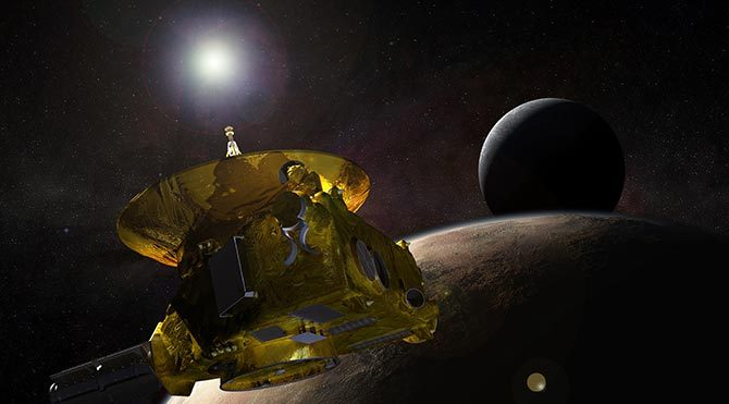 New Horizons yeniden Plüton yolunda