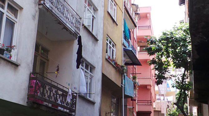 5. kattan düştü mücize eseri kurtuldu