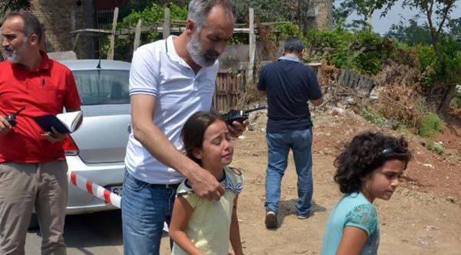 Kızının gözü önünde annesini vurdu