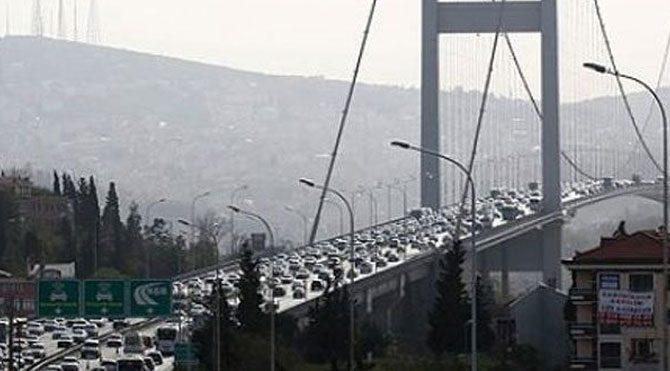 İntihar girişimi köprü trafiğini kilitledi