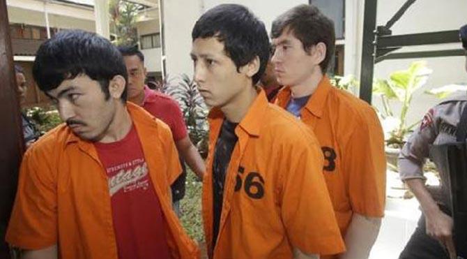 Üç Uygur Türkü'ne hapis cezası