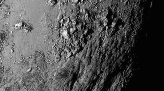 Plüton'dan ilk yakın çekim fotoğraf yayınlandı