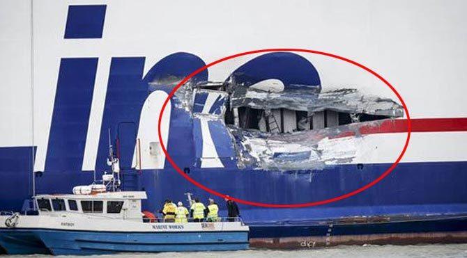 536 yolcusu olan gemi, benzin yüklü tankerle çarpıştı
