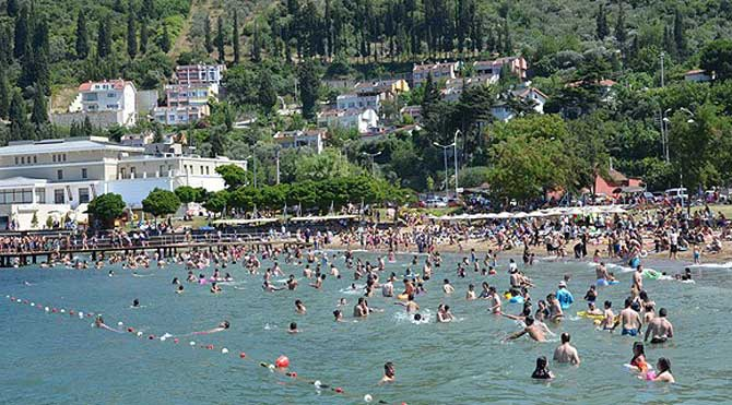 157 kişi boğulmaktan kurtarıldı