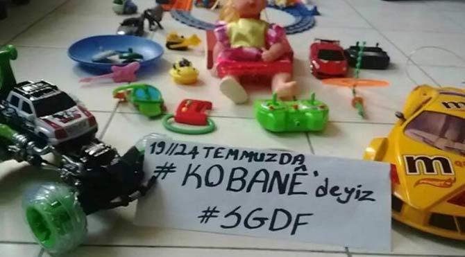Kobani'ye oyuncak götürüyorlardı