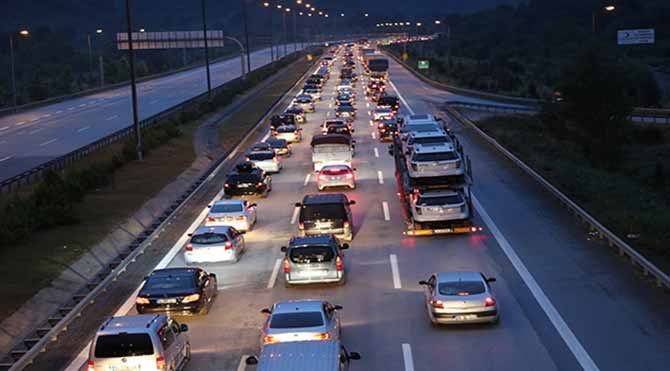 Tatile gidenlerden sadece üçte biri İstanbul'a döndü