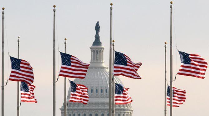 ABD'de bayraklar yarıya indi