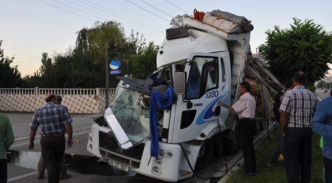 Tokat'ta kaza: 13 yaralı