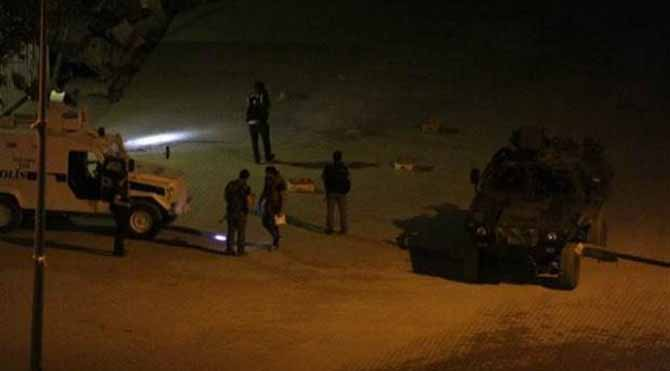 Diyarbakır ve Şemdinli'de polise saldırı