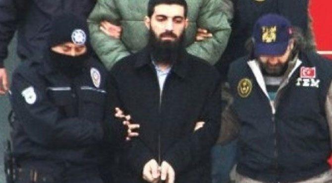 Halis Bayuncuk'ta gözaltına alındı