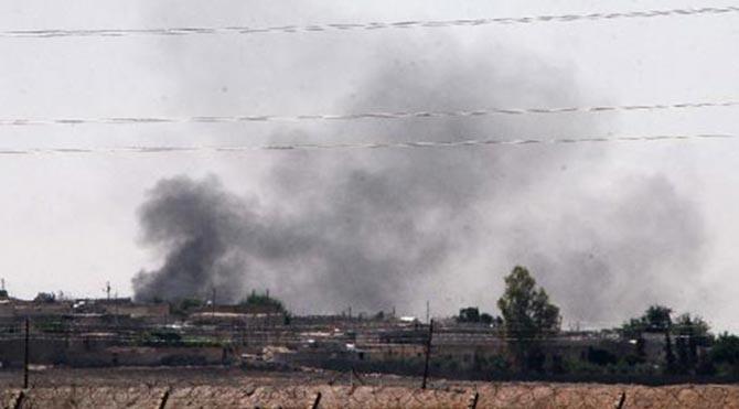 Suriye'nin Telabyad kentinde iki büyük patlama