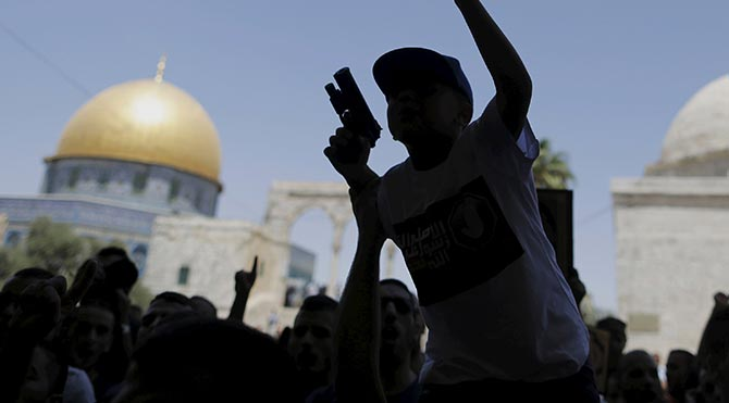 Mescid-i Aksa'da İsrail polisi şiddeti