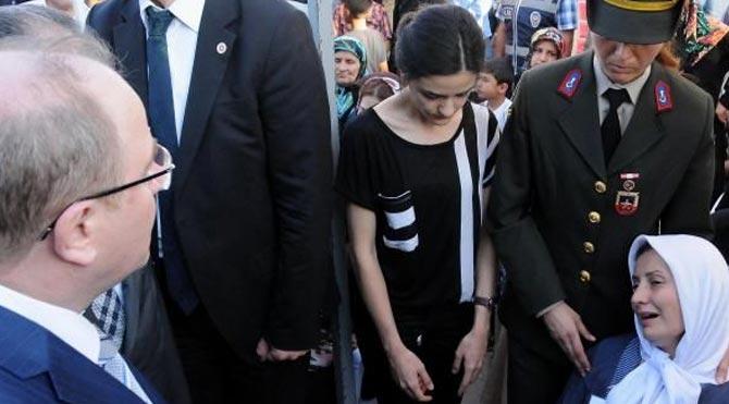 Şehit eşinden Bakan Öztürk'e sert tepki