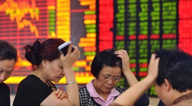 Çin borsaları çöktü