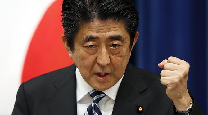Japonya 70 yıl sonra yeniden ordu kurup silahlanıyor