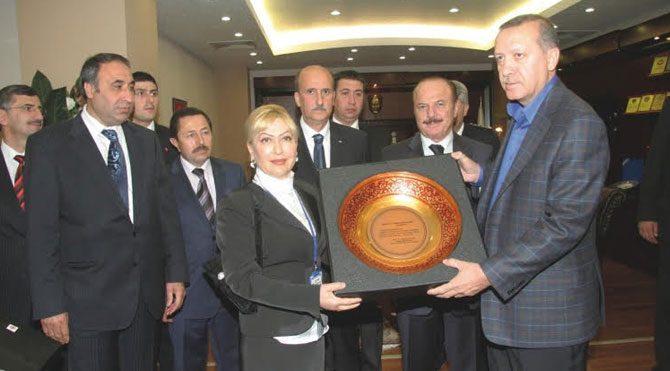 Viyadük faciasının arkasından AKP'li kadın Prof. çıktı