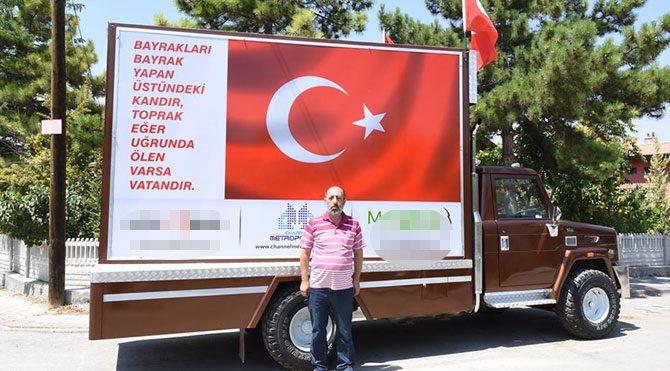Kalpaklı AKP'liden reklam tabelalı şehit aracı!