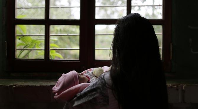 Tecavüze uğrayan 11 yaşındaki çocuk anne oldu