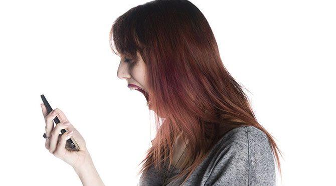 İstenmeyen SMS baş ağrıtıyor