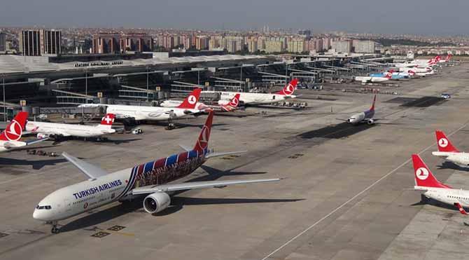 Yolcular 3 saat, şirketler 12 milyon dolar kaybetti